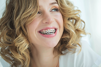 Emergency Dentist Has 5 Affordable Fixes for Chipped Tooth